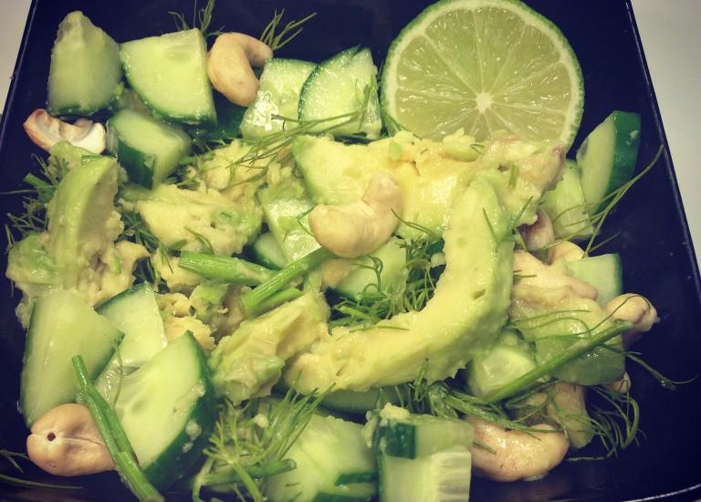 Vitastic | Avocado salade | Komkommer, avocado, dille en limoensap | Pegan Proof | Lunch | Snack | Licht diner | Recept | Linda Moser